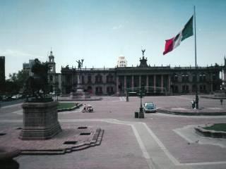 Hotéis perto da Macroplaza de Monterrey