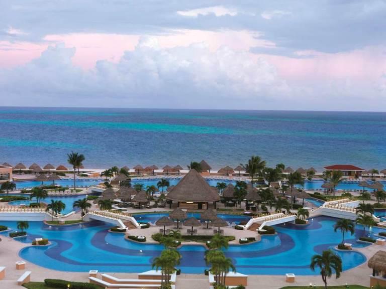 moon cancun beach palace