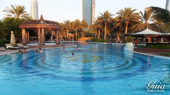 Piscina só para adultos Emirates Palace