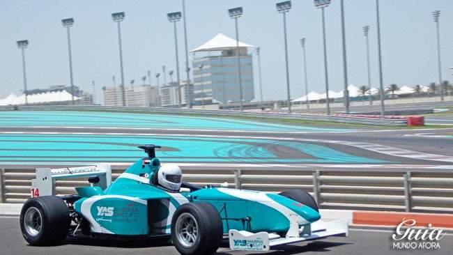 Corrida no Yas Marina Circuit