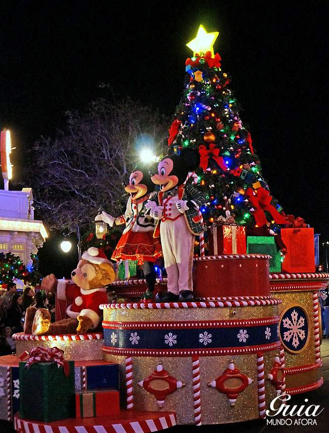 Mickey's Once Upon a Chrismastime Parade: a parada de Natal.