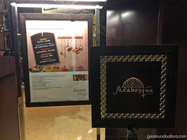 Jantar típico no Arabesque