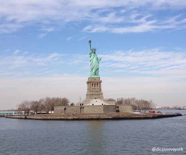 estatua_liberdade_guia_mundo_fora