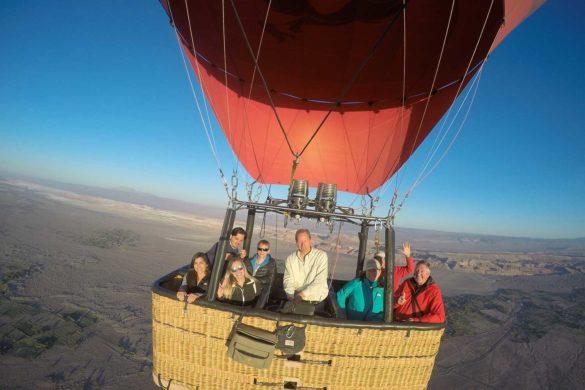Passeio de balão no Atacama: veja o deserto do alto!