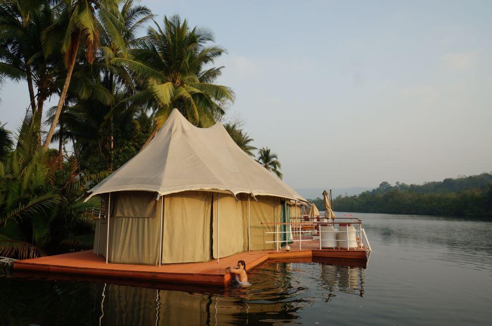 cabanas flutuantes  4 Rivers Floating Lodge