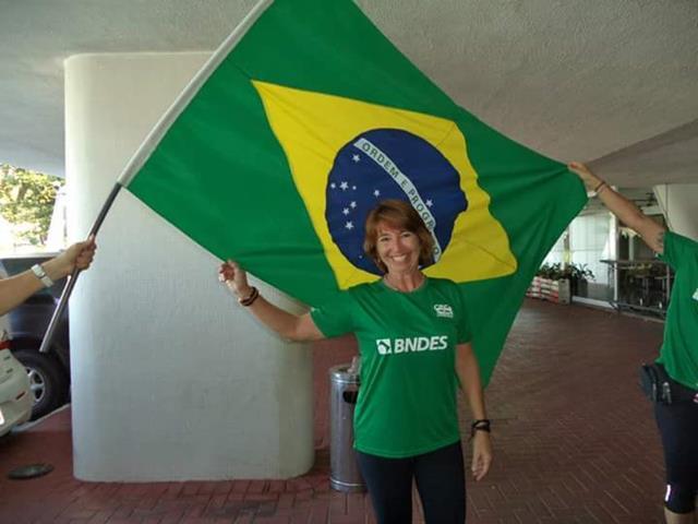 Campeã mundial em Outrigger Canoe vai desfilar na Cubango