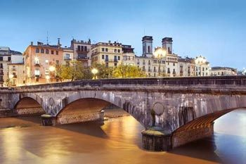 Puente de piedra Girona