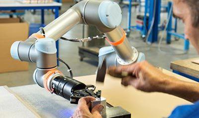 Robots sector electrónica