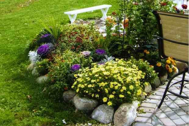 Come creare aiuole fiorite senza spendere troppo guida - Immagini aiuole per giardino ...