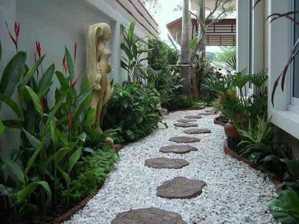 19 idee per il vialetto guida giardino - Foto piccoli giardini casa ...