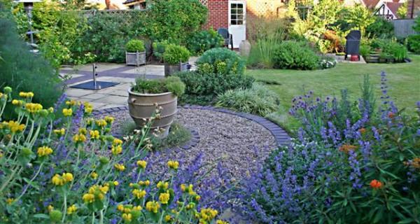 7 consigli per far sembrare il giardino più spazioso   guida giardino - Piccolo Giardino Consigli