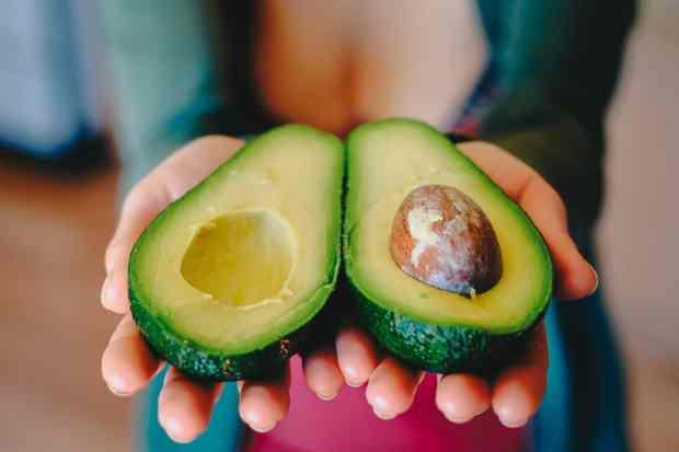avocado, un ottimo ingrediente naturale per preparare maschere di bellezza