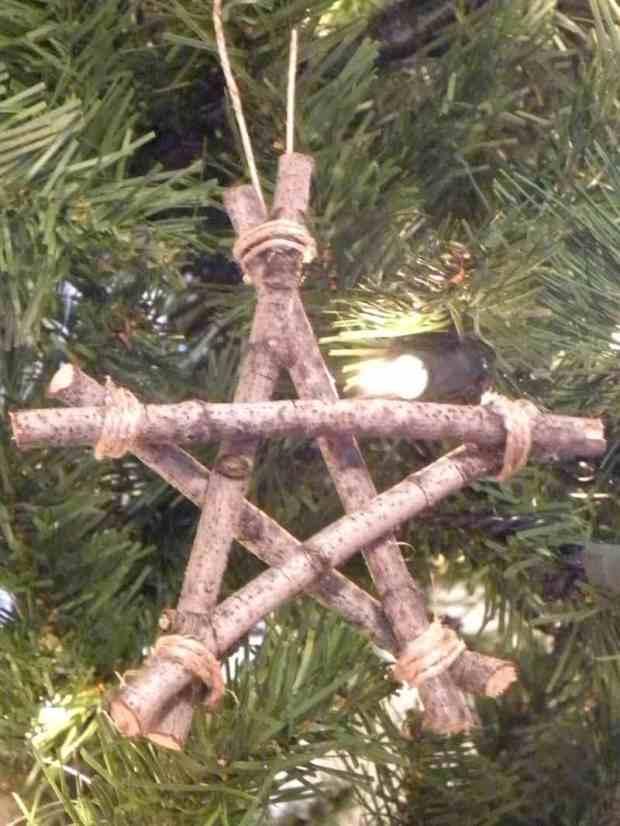 Decorazioni per l'albero di Natale in stile rustico