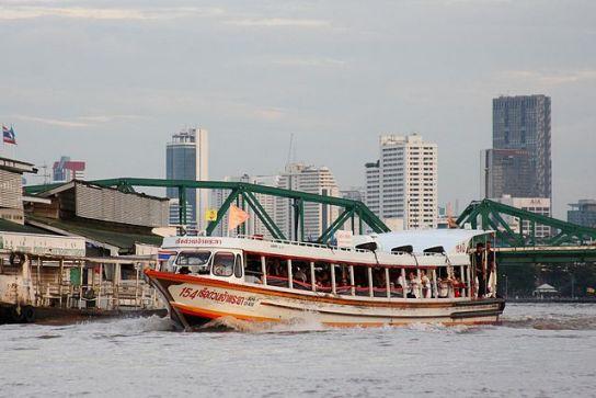 640px-Bangkok_river_taxi
