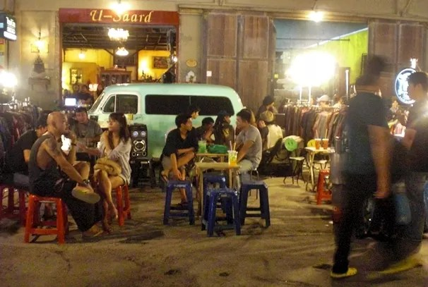 Talad-Lot-Fai-Railway-Market-Bangkok