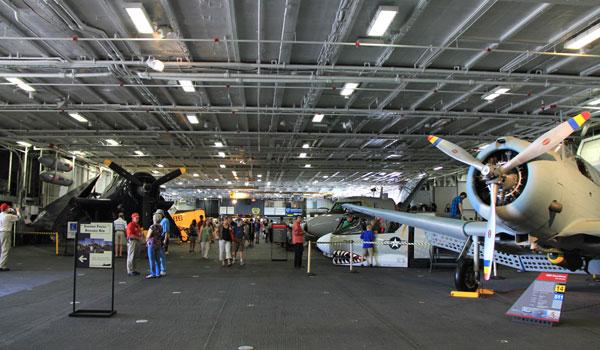 Hangardæk USS Midway