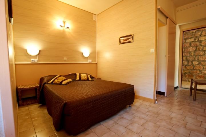Hôtel                         Bon Accueil **