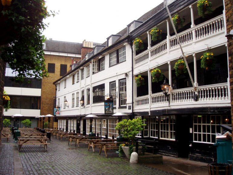 The George Inn. Photo Credit: © By Ewan Munro via via Wikimedia Commons.