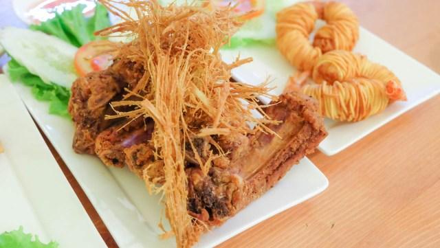 泰國-曼谷-必吃-好吃-美食-蓮花大酒店-Lebua-Thailand-Bangkok-cuisine-must eat-prawn-mango-beer-生蝦-海鮮-芒果糯米飯-咖哩-鳳梨炒飯-Tealicious