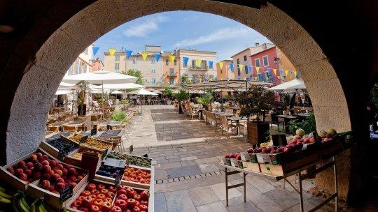 Découvrir la Côte d'Azur en autocar de tourisme : pourquoi tenter l'expérience?