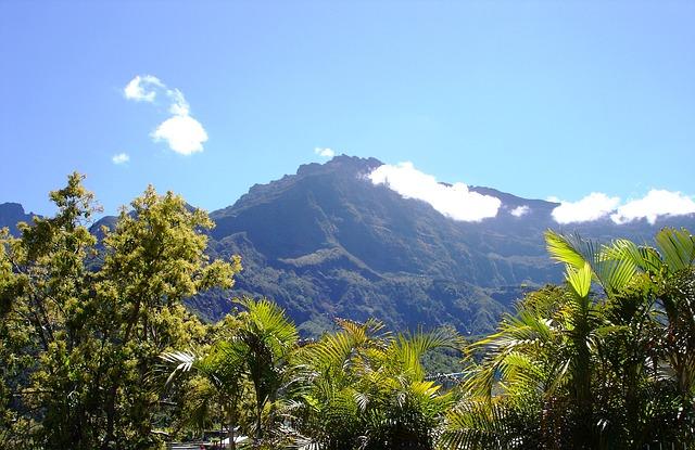 Voyage en amoureux : guide pratique pour des vacances de rêve à La Réunion