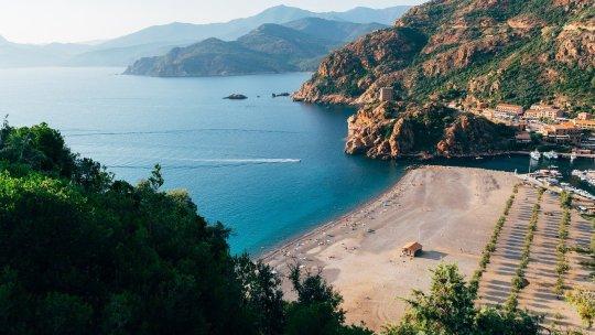 Découvrir la Corse en autocar : 8 itinéraires à tester