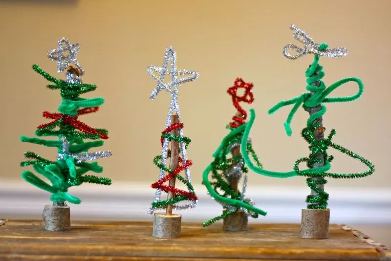 12 DIYs To Make A Pipe Cleaner Christmas Tree Guide Patterns