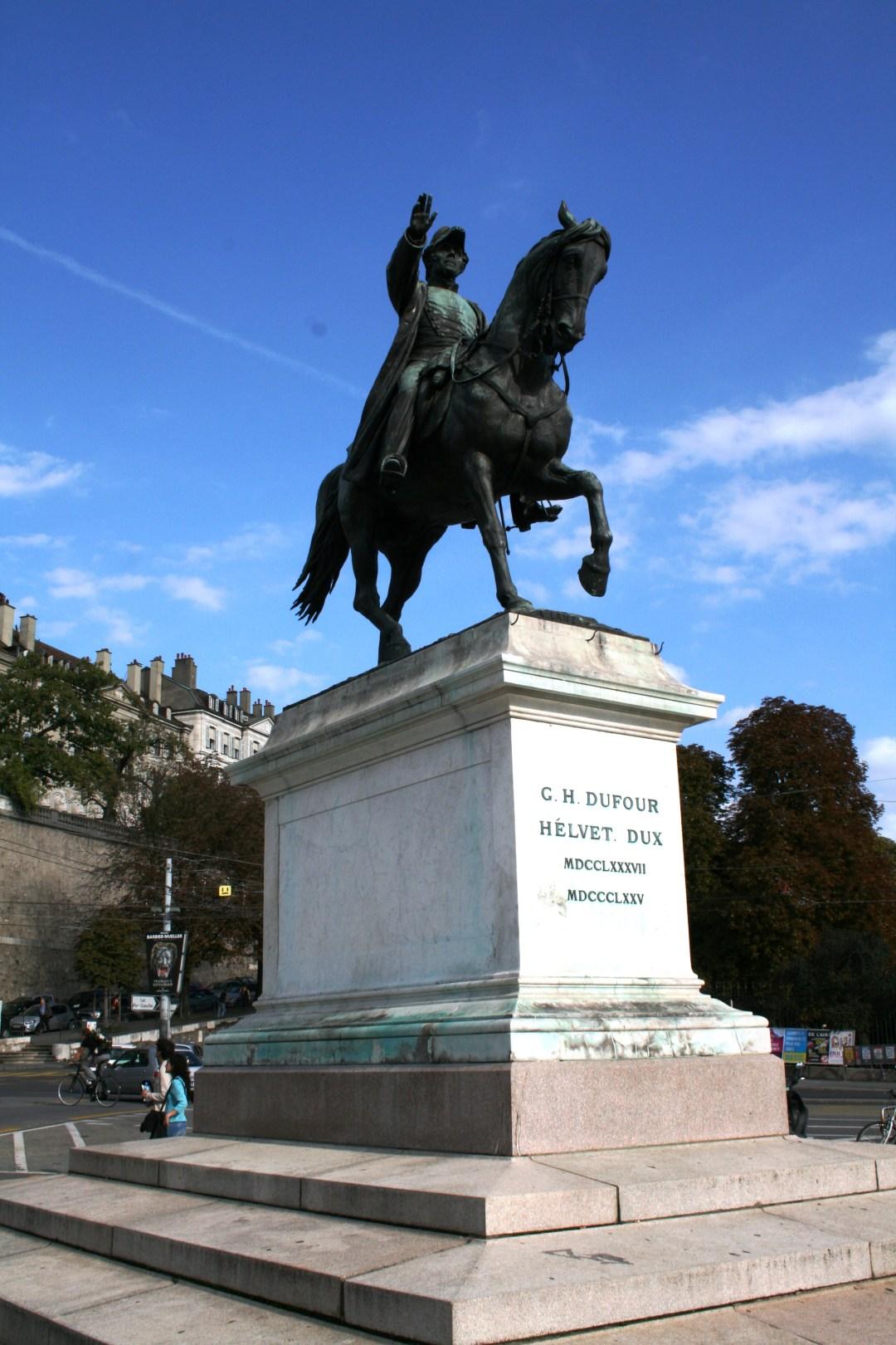 jean-jacques-rousseau-statue