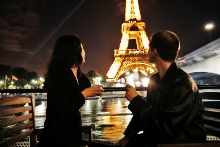 idée article bateau mouche croisiere amoureux saint valentin