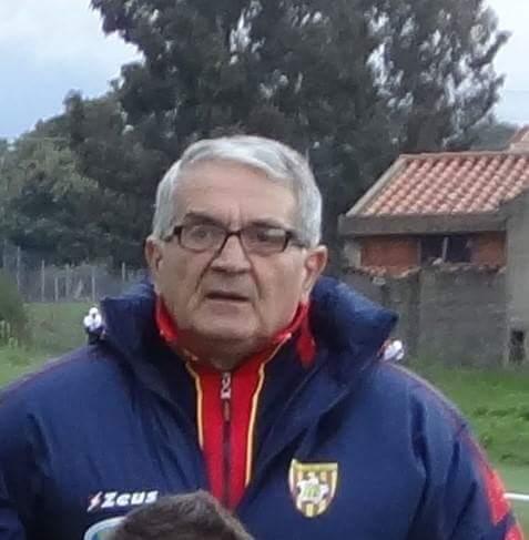 Calcio 1a Categoria girone C. Grande partenza per il suo Santa Giusta, ma Nino Cuccu predica umiltà