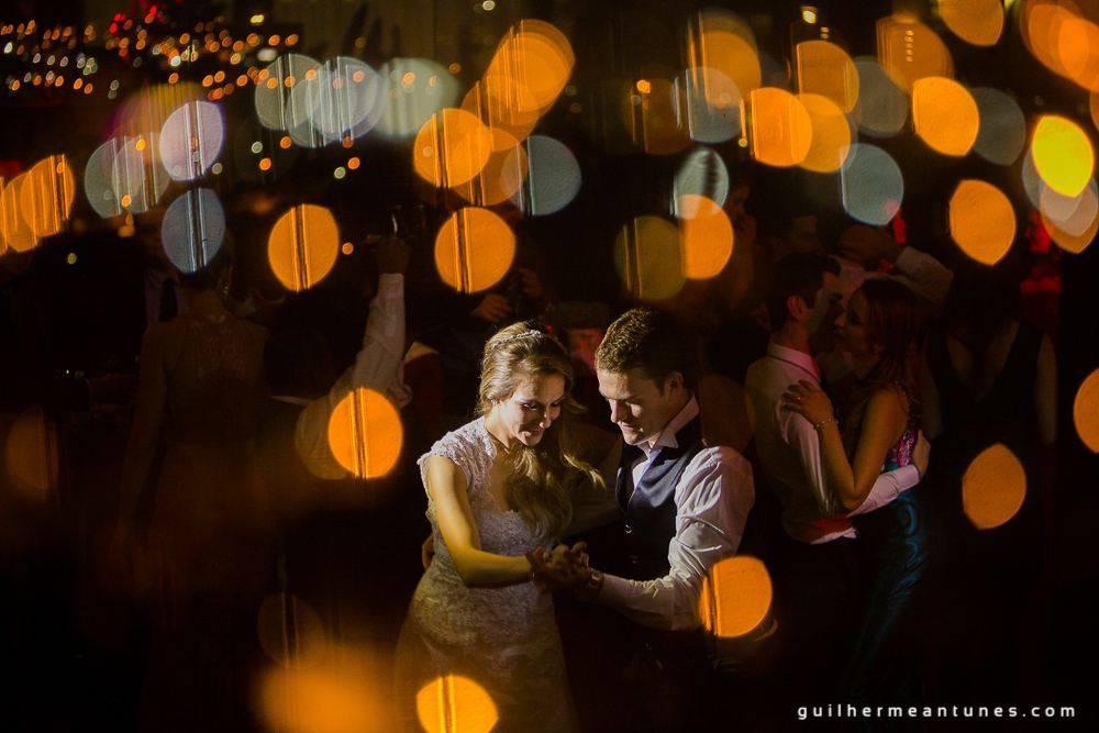 Fotografia de Casamento Luana e Alysson valsa dos noivos e convidados