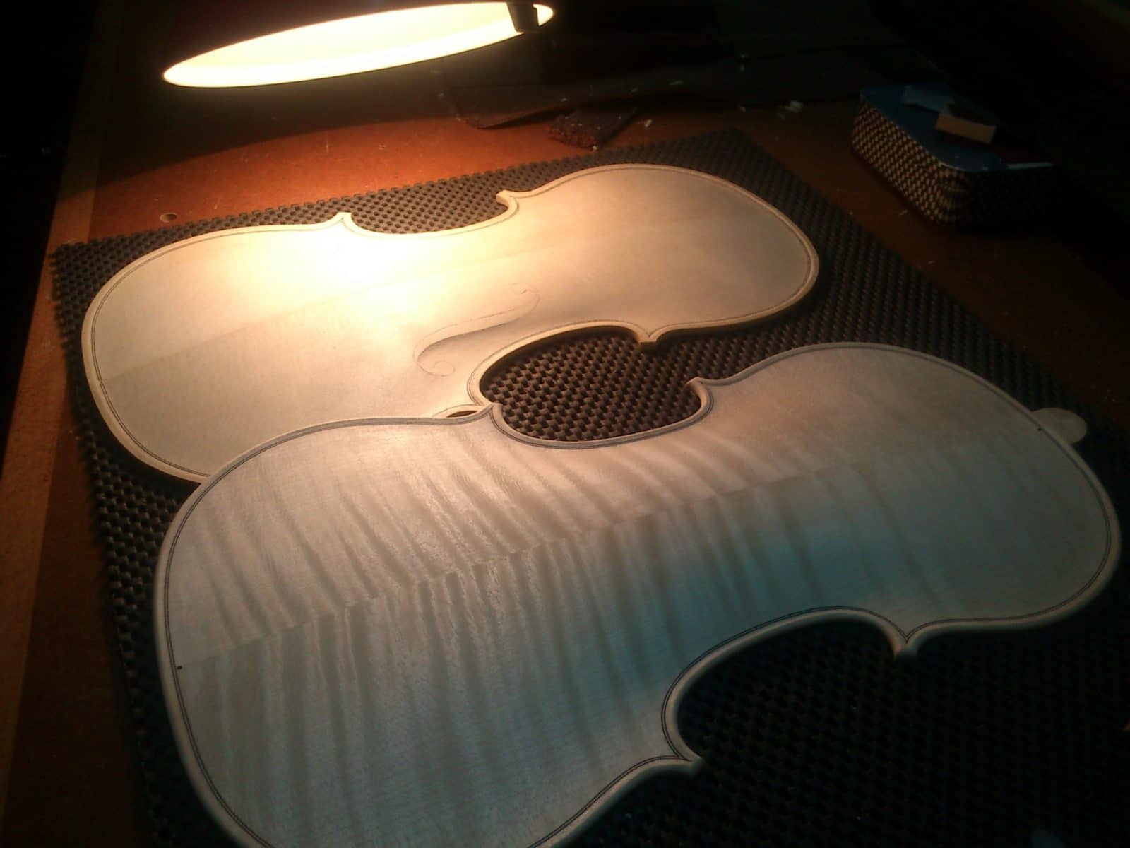 Commander un instrument d'exception chez un luthier