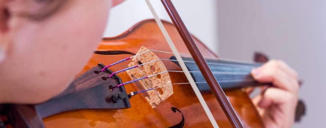 On peut débuter le violon à tout âge, ce n'est pas si compliqué.