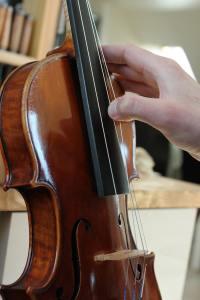 changer les cordes de son violon sans tirer trop fort