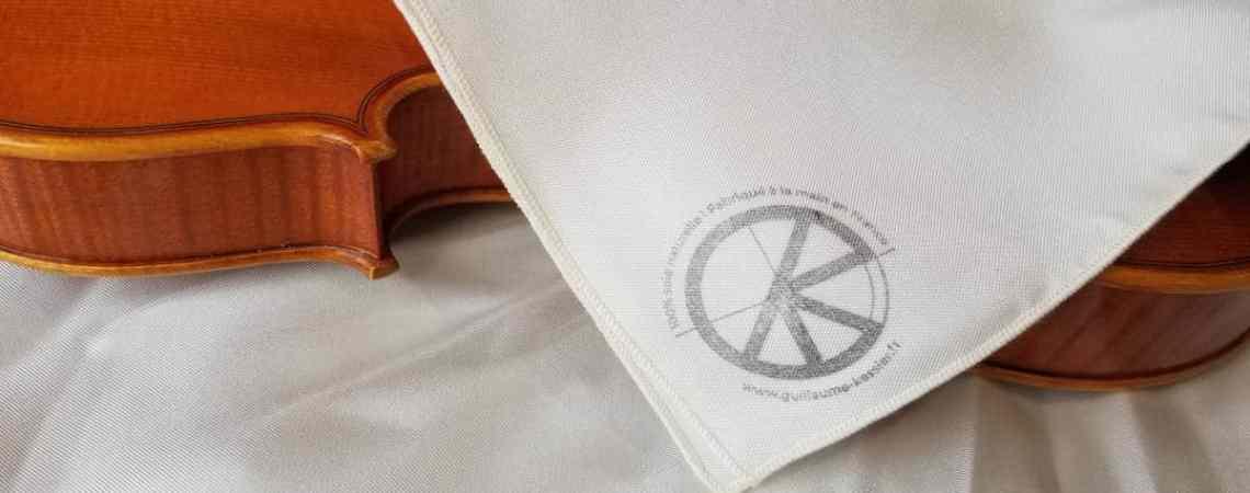 Mouchoir en soie naturelle pour entretenir son violon, alto ou violoncelle