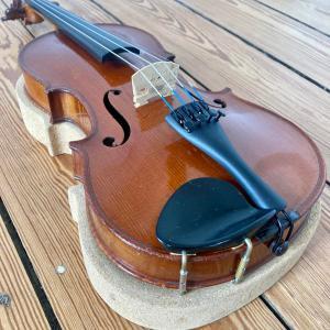 violon 3/4 Mirecourt mentonnière