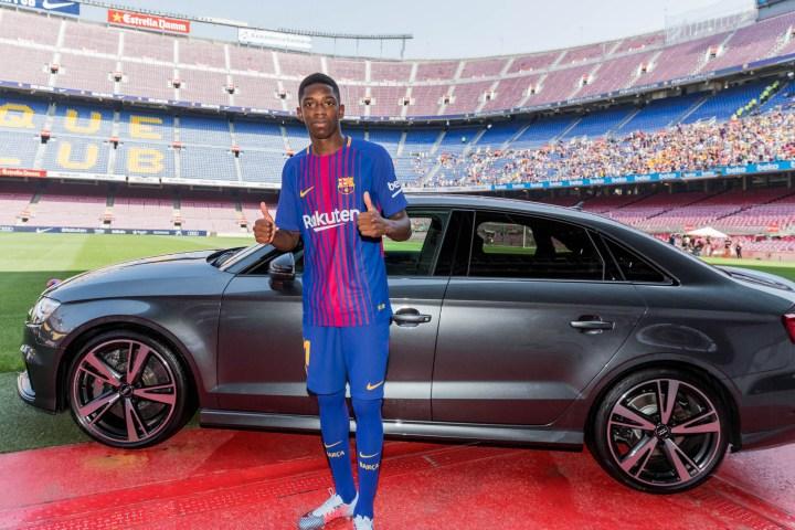 Entrega Audi al jugador del Barça Ousmane Dembélé