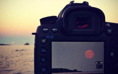 Fotografiando la luna (llena) desde Cadaqués con iPhone