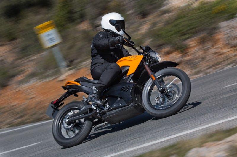 Fotografiando motos eléctricas