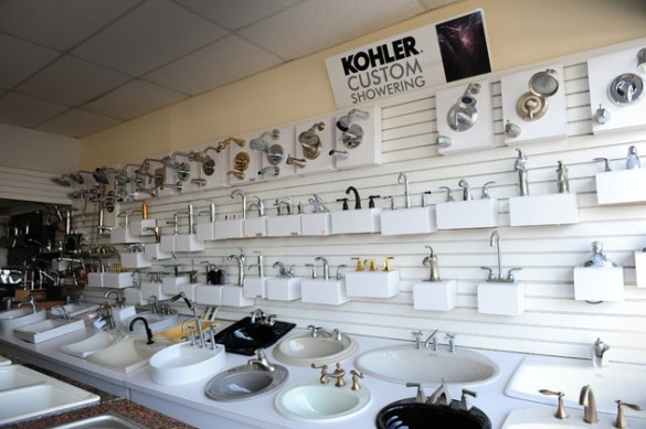 Aventura Kitchen and Bath Fixtures  Parts  and Supplies    Guillen s     Plumbing parts and supplies in Aventura including faucets  sinks  tubs   toilets  and