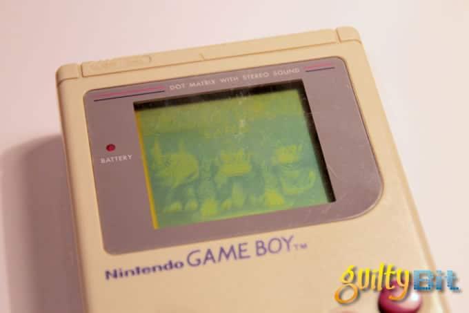 Así reaccionan los niños de hoy...¡a un Game Boy!