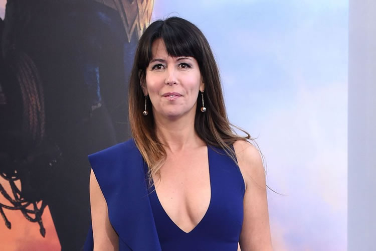 patty jenkins dirigira wonder woman 2