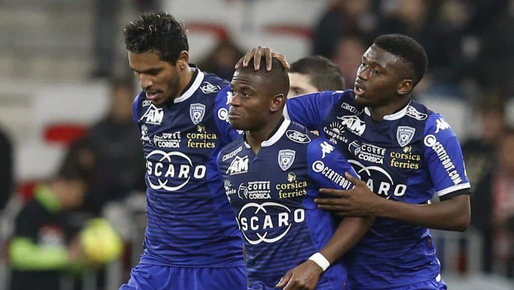 Sadio Diallo (c) a inscrit face à Nice son premier but de la saison à l'extérieur. © AFP PHOTO / VALERY HACHE