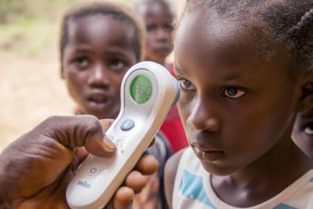 Un vaccin expérimental administré à 800 personnes en Guinée