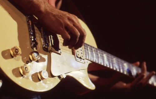 Lezione di chitarra fingerstyle