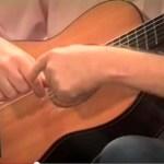 Lezione di chitarra classica: impostare il tocco libero