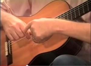 tocco libero con la chitarra classica