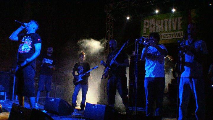 Boomdabash & The Cool Steppers band - Dal vivo al Positive River festival (2011)