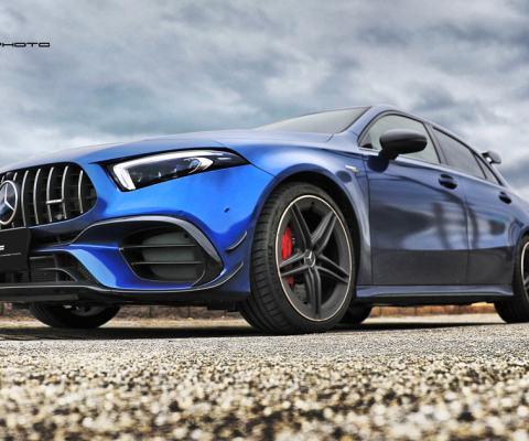 異藍鋼砲 – 2020 Mercedes-AMG A45s 4 Matic+ 白藍換色開箱分享 By 吉他腳 GuitarFeet