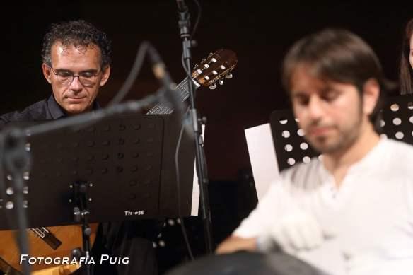 José Antonio Chic, guitarra con Ravid Goldsmichdt